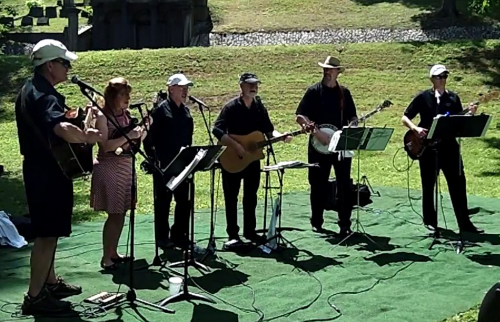 Osak Lane plays at Hollywood Cemetery